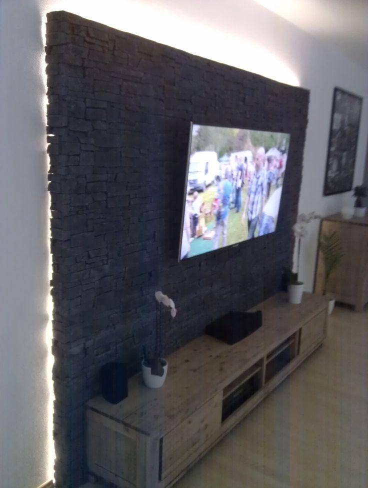 Steinwand Wohnzimmer Fernseher