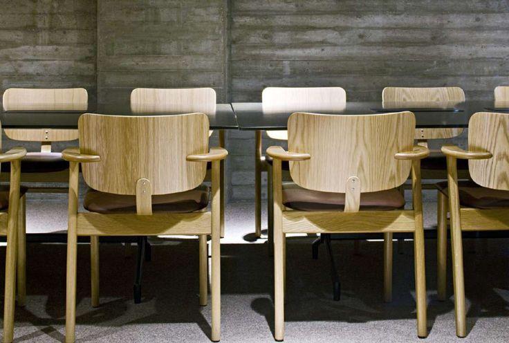 Hyvinkää Townhall, Hyvinkää, Finland, 2011  / Domus Chair