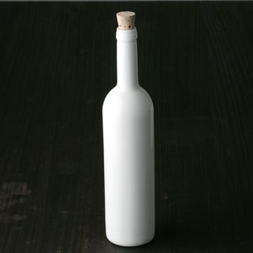 h+/ワインボトル・コルク栓付き WH 4200yen お気に入りのワインを入れて楽しむ波佐見焼のボトル