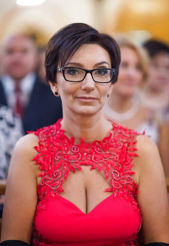 Mature women 4 cleavage week UK