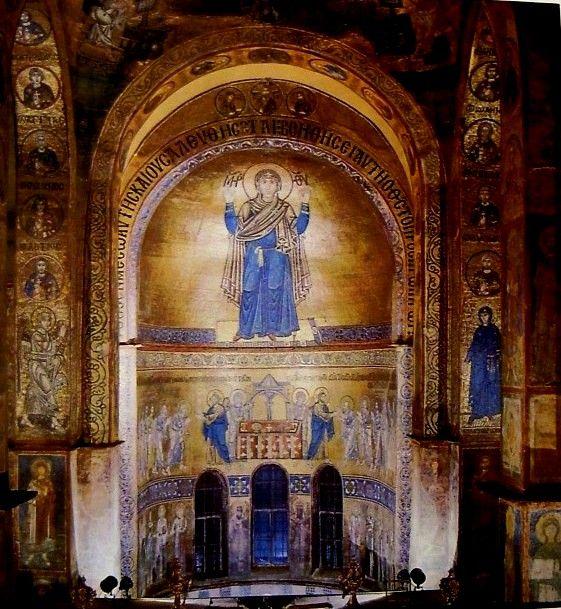 Kijev, Szt. Szófia-székesegyház (ép. 1037-42). Apszismozaik 1050 k.: Istenszülő, Apostolok áldozása