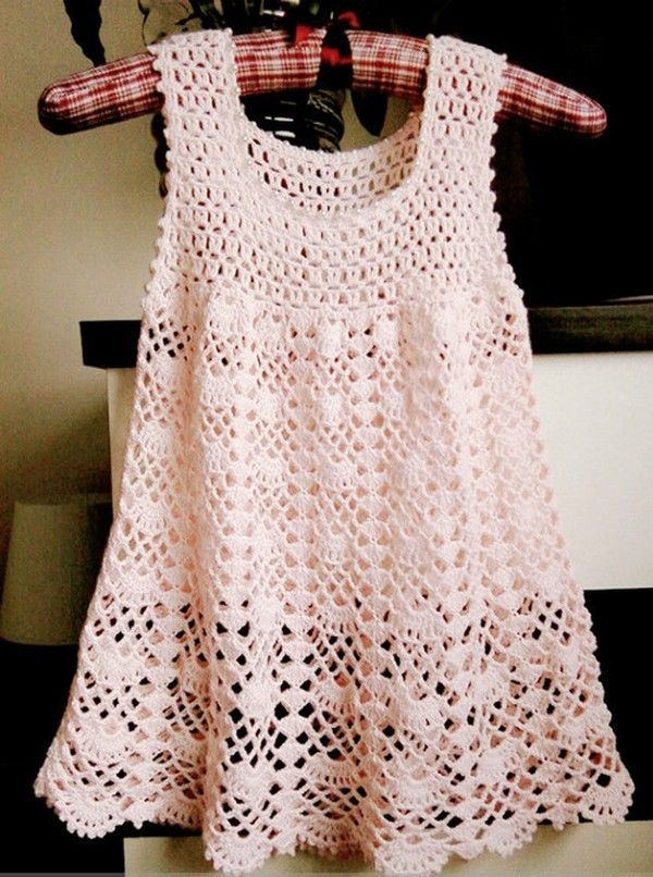 Crochet Baby Robe Pattern : Baie baba patrone - translate to Eng. Robes pour fillettes ...