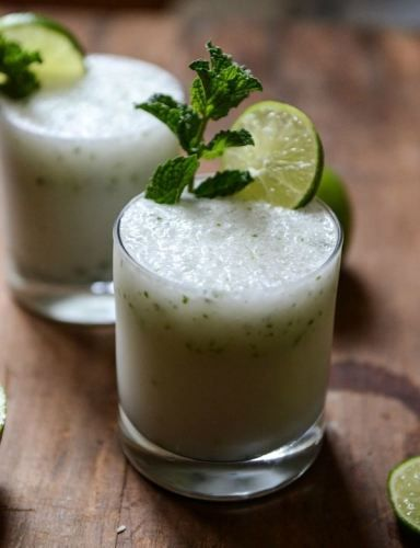 let's pretend it's summer! Frosty Coconut Mojitos | howsweeteats.com
