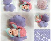 Défis de mars 2014: bébé sirène et son coquillage en feutrine : Jeux, peluches, doudous par l-atelier-de-luciole