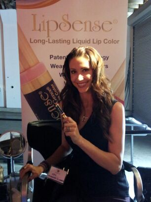 "Actress Shannon Elizabeth of ""American Pie"", wearing Roseberry LipSense"