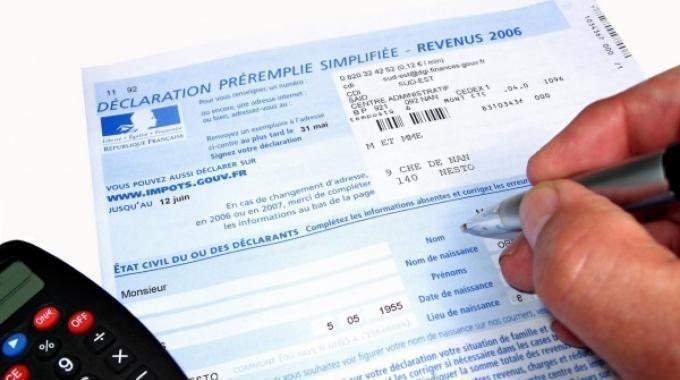 Pour ne pas se tromper en remplissant sa déclaration d'impôts sur le revenu et éviter les mauvaises surprises, nous avons listé pour vous les 6 points à ne pas oublier et les principales erreurs à éviter.  Découvrez l'astuce ici : http://www.comment-economiser.fr/remplir-declaration-fiscale.html?utm_content=bufferde985&utm_medium=social&utm_source=pinterest.com&utm_campaign=buffer