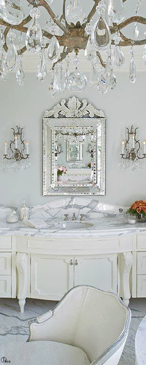 French Flair ● Bathroom