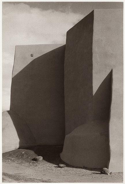 bigsmallworld:  Bernard Plossu, Taos Church, New Mexico, 1976 (by Photo Tractatus)