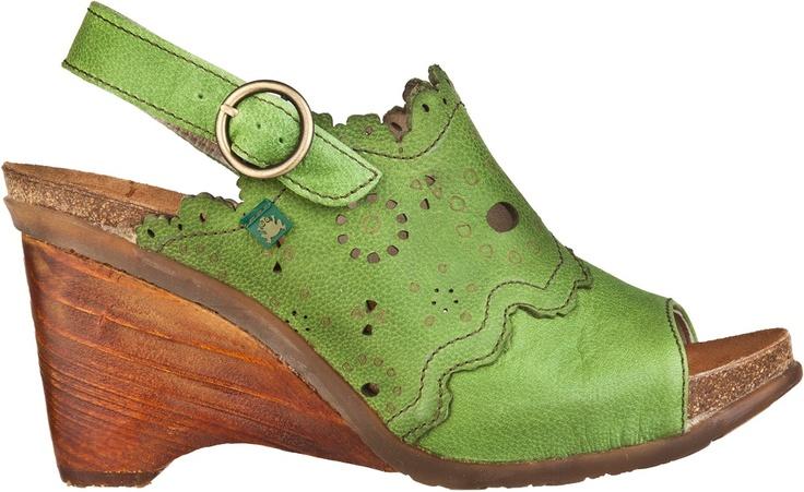 El Naturalistan N789 VEREDA-malli saatavana vihreänä, ruskeana ja mustana myymälästämme.