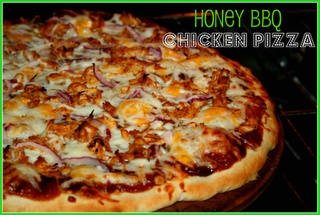 Easy BBQ Chicken Pizza with Honey Pizza Crust: Susieqtpies Cafe, Happy Friday, Honey Pizza, Bbq Chicken, Pizza Recipes, Chicken Pizza, Homemade Pizza, Crusts