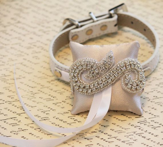 Ivory Ring Pillow for dogs, Chic, Cute Ring pillow attach to the High quality Leather  Collar, Wedding Dog Accessory