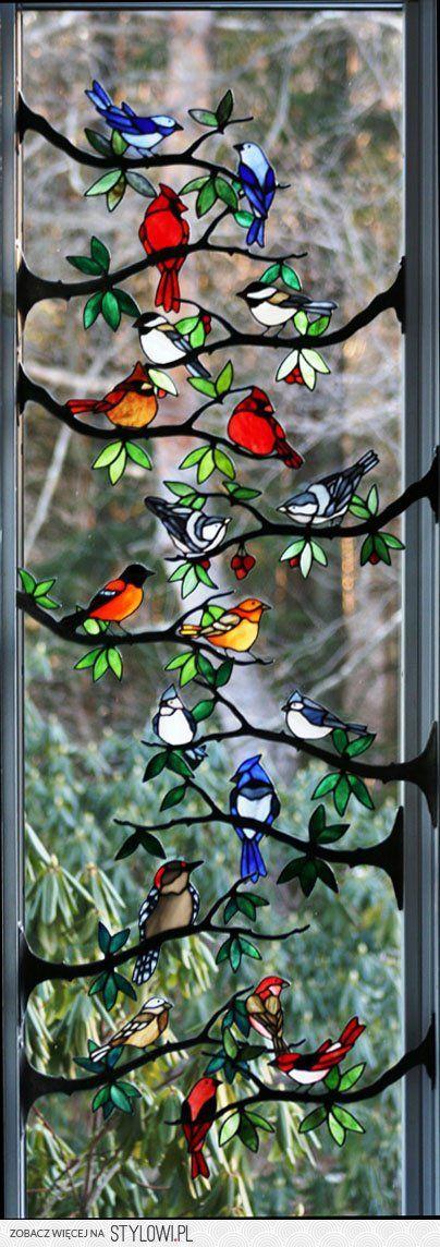 Three little birds sit by my door step, singing sweet… na Stylowi.pl