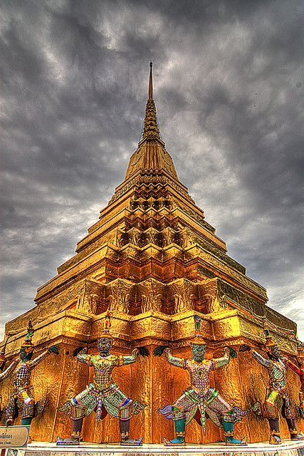 Grand Palace Bangkok SHARE YOUR TRAVEL EXPERIENCY ON www.thetripmill.com! Be a #tripmiller!
