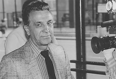 """John DiFronzo (born December 13, 1928), known as John """"No Nose"""" DiFronzo is a Chicago mobster and the reputed boss of the Chicago Outfit. He stands at 5'10 and weighs 170 pounds. He hangs out at Gene's Deli at 2202 North Harlem Avenue Elmwood Park, Illinois. In 1950 he served two years in prison for burglary. He is the brother of Joseph DiFronzo born November 25, 1934 and Peter DiFronzo May 13, 1933. A former enforcer and caporegime, DiFronzo was convicted along with then-current Chicago…"""
