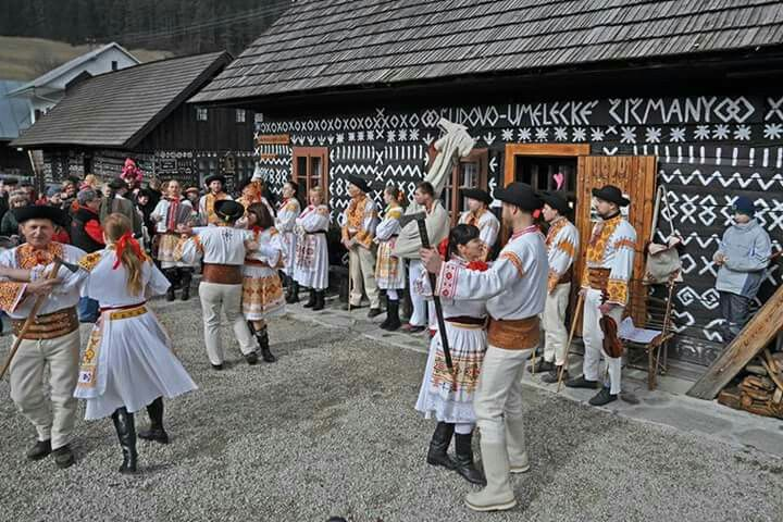 Folk Slovak wedding. Cicmany.