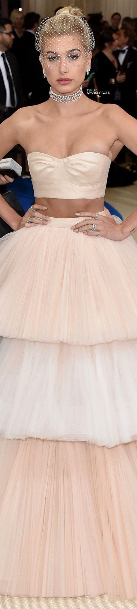 Hailey Baldwin (daughter of Stephen) at the Met Gala 2017 (photo Carolina Herrera)