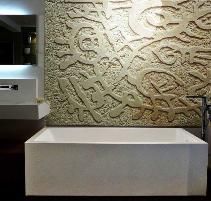 Artistic wall for bathroom in travertino marble by carvedstones