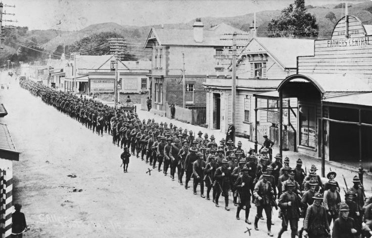Main Street; troops marching back from Maymorn to Trentham, 1915. [P5-71-773] | Upper Hutt City Library