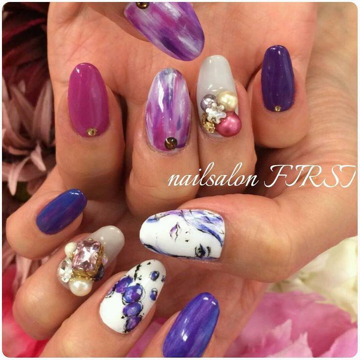 My nail change♪ 昨日の続きで右手はこんな感じです♥  好きなデザインとカラーでテンション上がって頑張れるヽ(*´▽)ノ♪