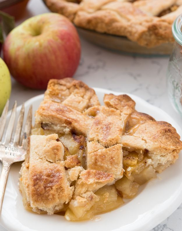 Apple Cider Pie | These 10 Homemade Apple Cider Desserts are sure to be a Hit for the Family! The Best Ever Treats for everyone!