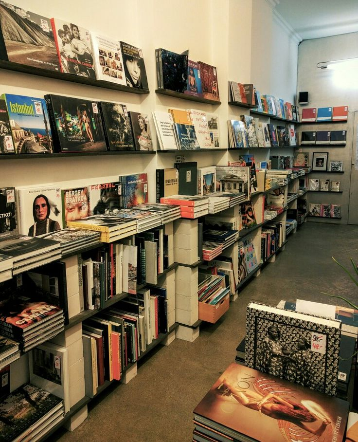The picture book, good selection of coffee table books