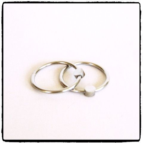 Lady Kink - Stainless Steel Glans Ring R 250.00  This Stainless Steel Glans Ring is worn around the ridge just beneath the head of the penis to increase stimulation by applying pressure to the glans.