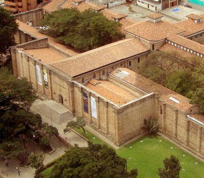 Museo Nacional de Colombia, mi casa, proxima el museo nacional y Parque Bavaria.