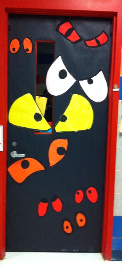 Yay Pinterest! October door decor