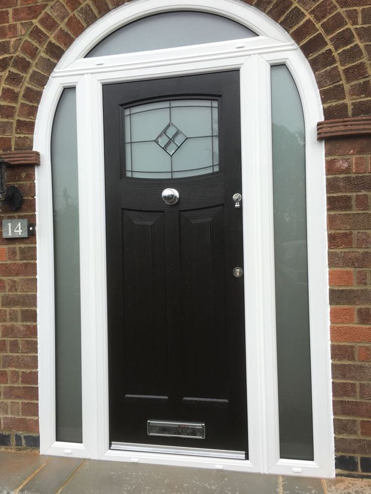 A Black Newark with Bright Star glass and central knob. #rockdoor #homedecor