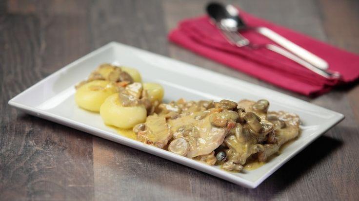 Ricetta Arista di maiale con funghi: Un vero secondo piatto da leccarsi i baffi! Un sughetto di tutto rispetto a base di funghi e panna, la morte sua! Tanto che l'arista di maiale passa in secondo piano.