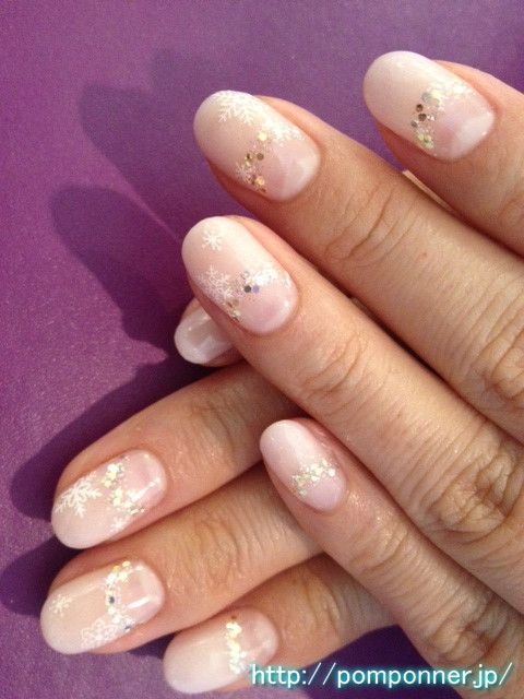 I was in a better gradation of pastel pink sheer of glitter.  I sprinkled a mix of the boundary between the holo glitter and color.  Lame contained within will shine brilliantly elegant is a good color to the whole familiar pale skin.  Fit very well with the snow crystal.