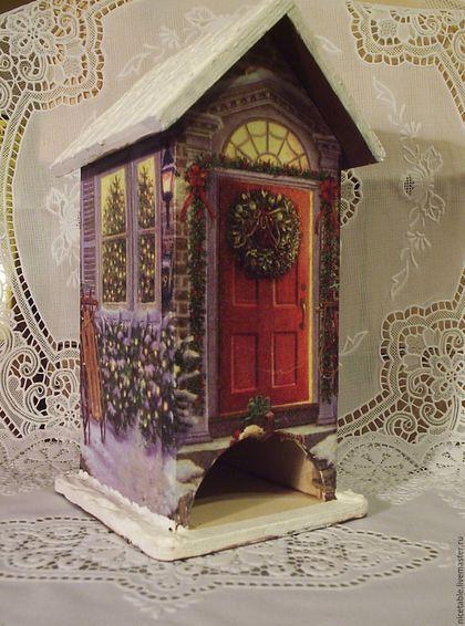 Купить или заказать Чайный домик. Рождество. в интернет-магазине на Ярмарке Мастеров. Хотите порадовать любимых друзей ? Чайный домик это оригинальный и полезный подарок к Новому году для родных и знакомых, учителю, врачу. Время пить чай! Часто ли Вы устраиваете семейные чаепития? когда все собираются за столом и делятся своими новостями? Чайный домик Рождество соберёт вашу семью и создаст неповторимый домашний уют. Особенно радуются дети рассматривая домик.