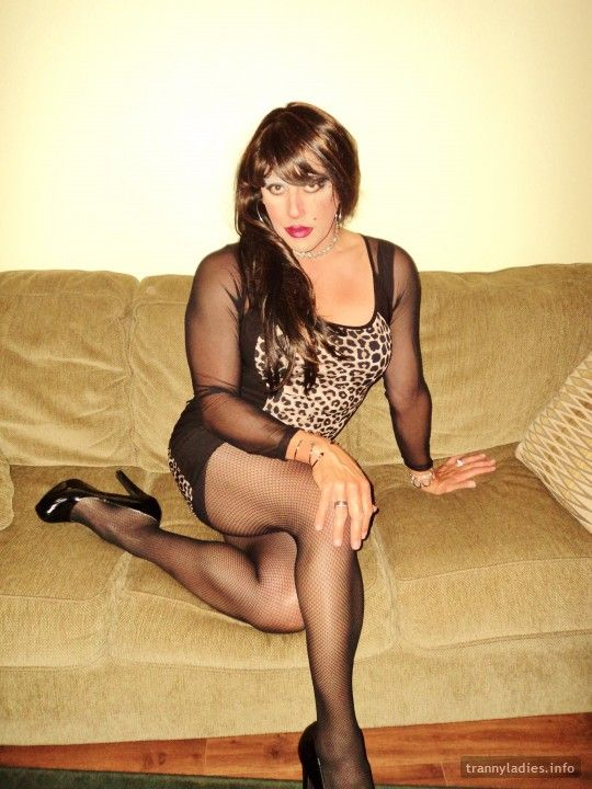 Sexy Yazmin is from San Antonio. More photos at https://www.trannyladies.info/en/yazmin_gallardo