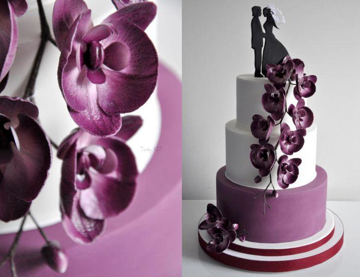 Wedding cake by CakesVIZ - http://cakesdecor.com/cakes/261961-wedding-cake