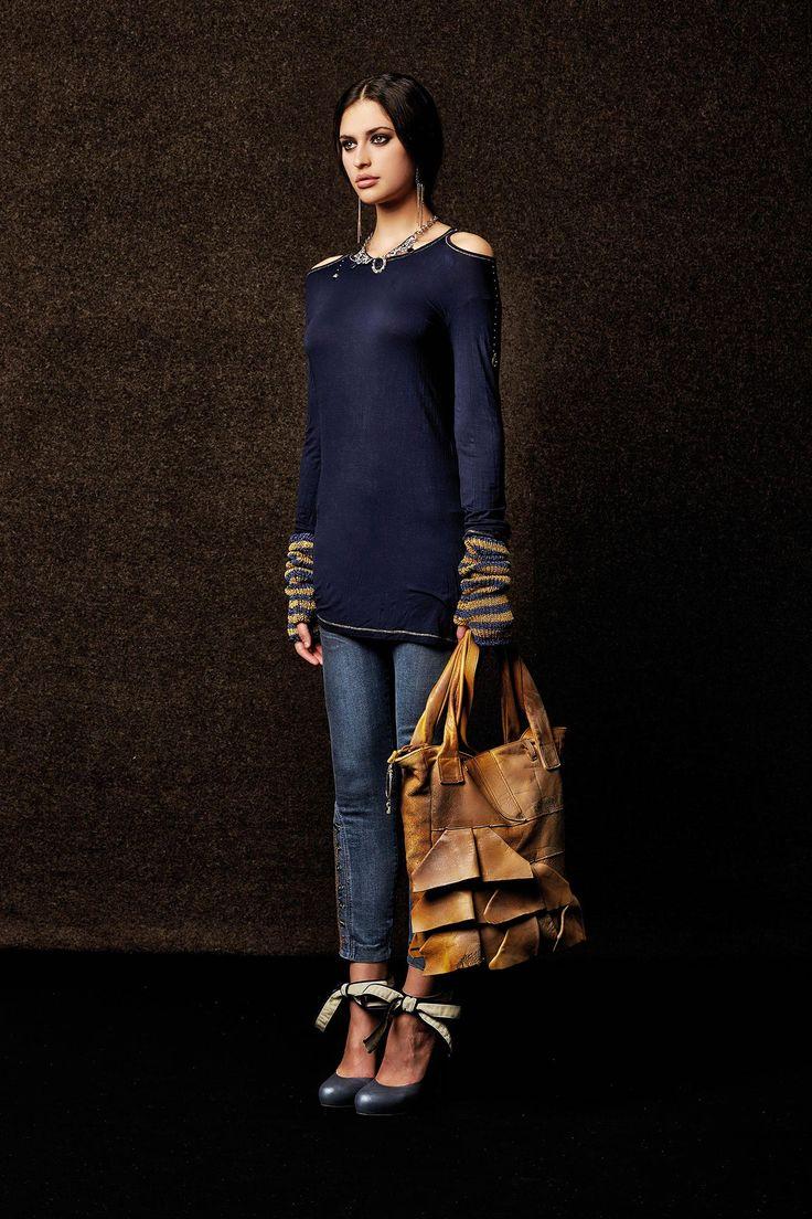 #danieladallavalle #collection #elisacavaletti #fw15 #blue #sweater #denim #jeans #brown #leather #bag #heels