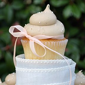 A perfect wedding cupcake topper!