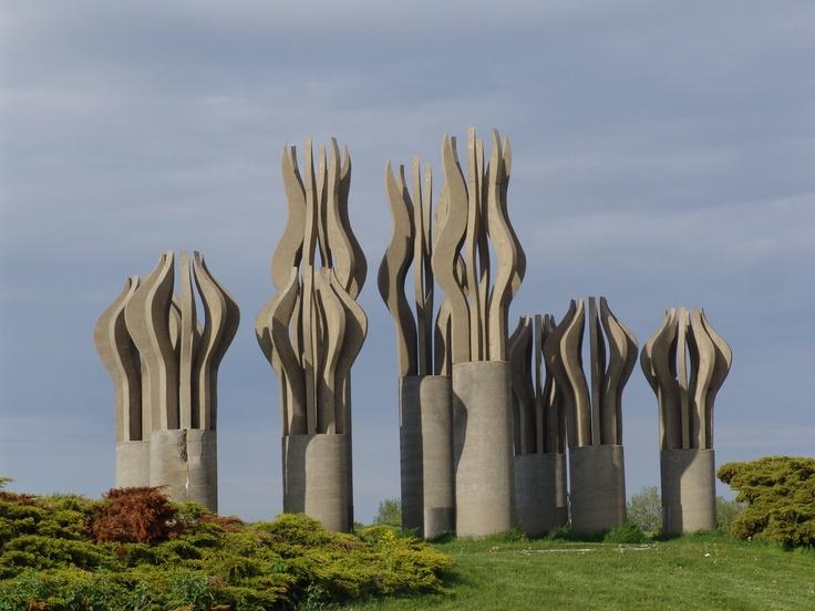 Parc René Levesque  Le musée en plein air. http://lucierenaud.blogspot.fr/2008/06/muse-plein-air-de-lachine.html