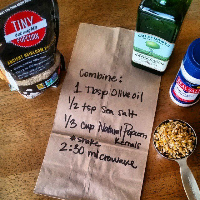 Make-It-Yourself Popcorn Bags - DIY Microwave Popcorn & light Sea Salt CleanFoodCrush http://cleanfoodcrush.com/diy-popcorn-bags
