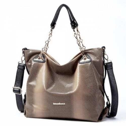 Serpentine Word    Aluminum Chain Bag    This PU leather has 6 pockets, portable backpack way, which will create an eye - catching visual effect.