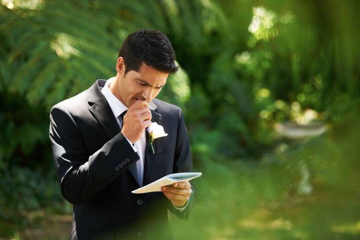 Damatlar için düğün konuşması zor olabilir. Biraz yardım alabilir. #düğün #düğünplanı #düğünplanlama #damat #gelin #damatlık #gelinlik #düğünkonuşması www.dugunbee.com