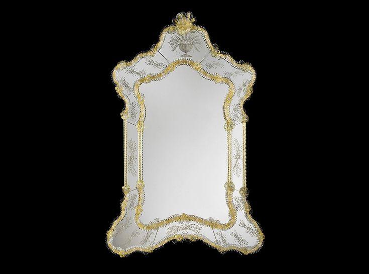 A precious traditional Venetian Mirror, from Specchi Veneziani collection