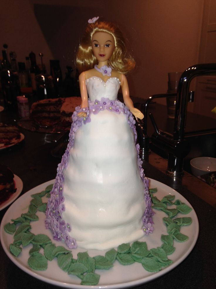 """Doll cake - made from """"kransekage"""""""