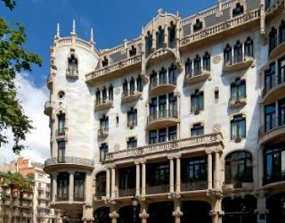 Casa Fuster is a major Barcelona monument by the Modernist architect Lluís Domènech i Montaner. It's facade is breathtaking and it's chic interior is almost as impressive.