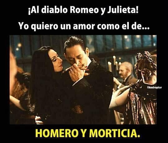 Homero y Morticia