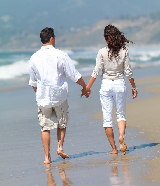 Kết quả hình ảnh cho a romantic couple hand in hand