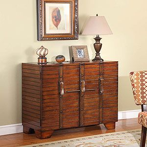 Exceptional More And More Iu0027m Seeing U0027luggageu0027 As Furniture. Old Steamer Trunk Style.