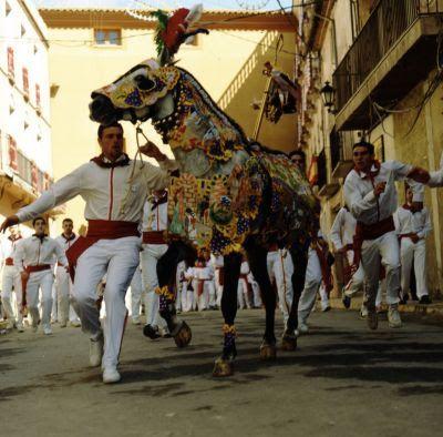 """Caravaca de la Cruz. Fiesta """"Los caballos del vino"""", 2 de mayo."""