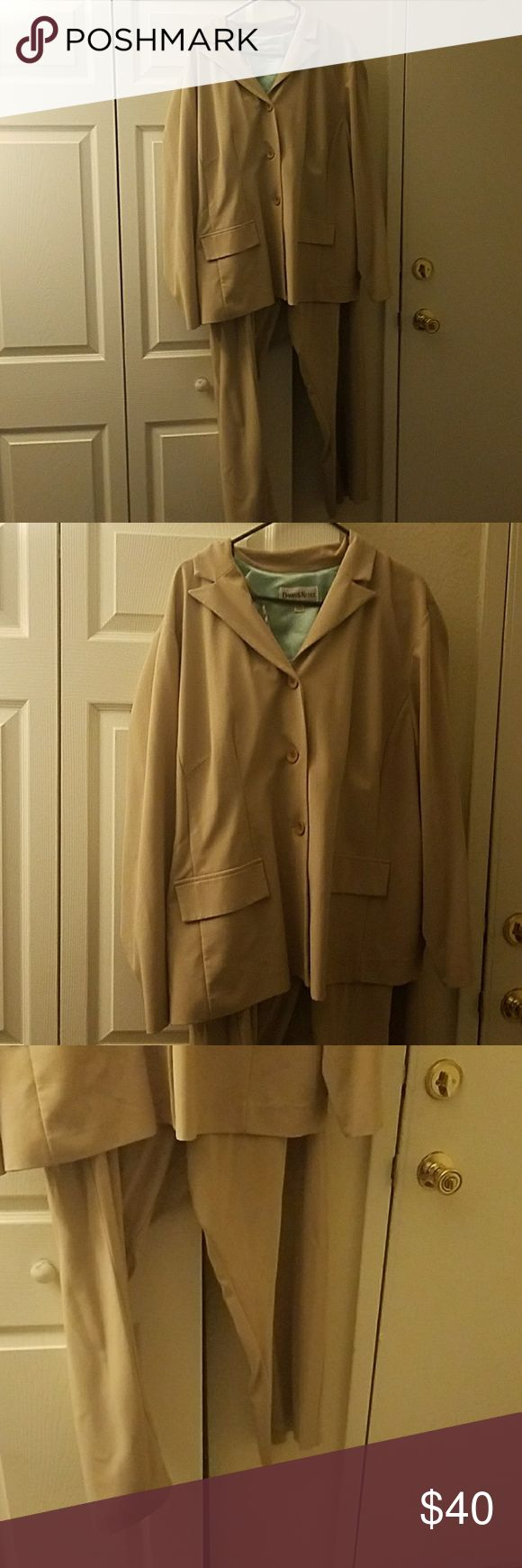 2 piece matching woman's pant suit Tan, gently used 3 button womans pants suit Danny and Nicole Other