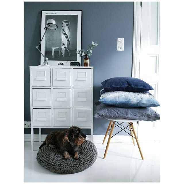 Blue entryway with Ikea 'Sprutt' cabinet