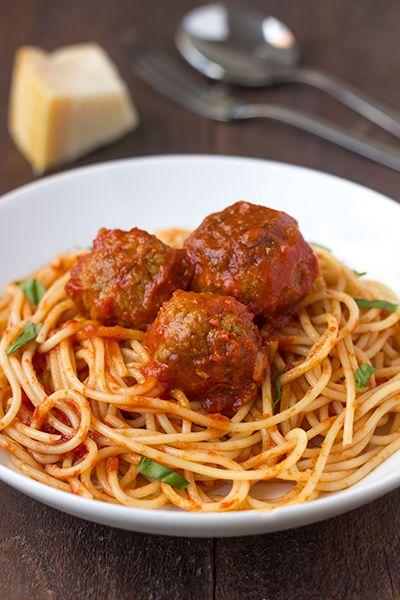 Spaghetti met gehaktballetjes tomatensaus